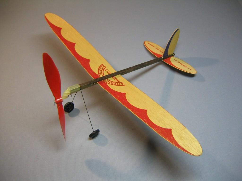 AJ Hornet 001