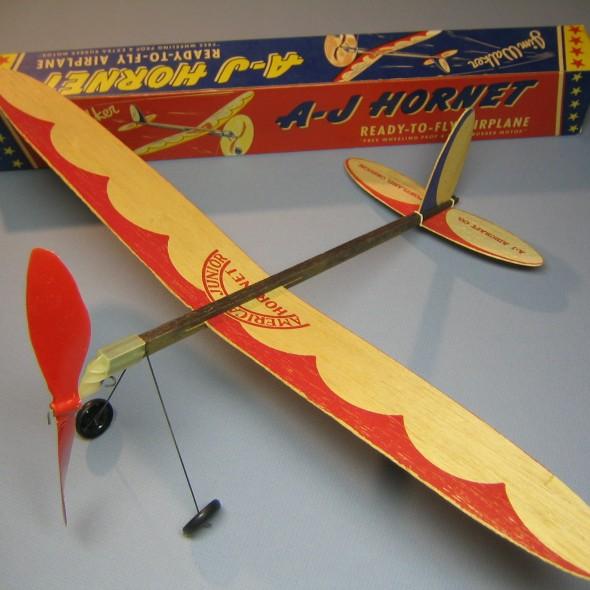 AJ Hornet 009