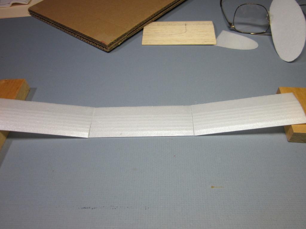 Foam Plate Plane 044