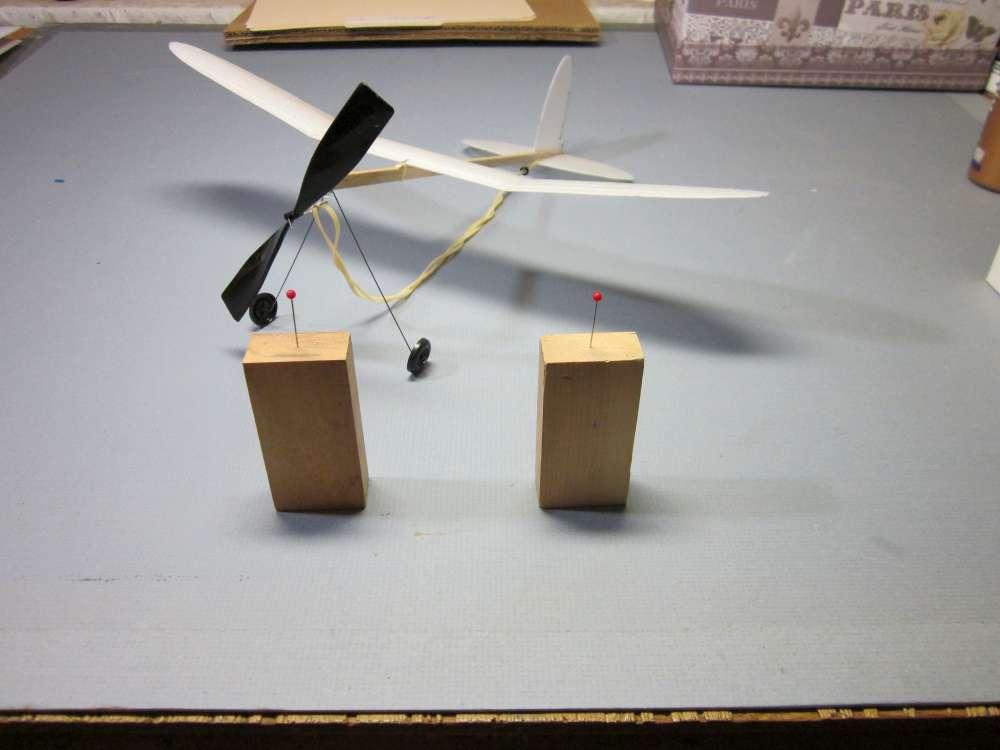 foam-plate-plane-183-1000